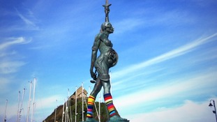 People living in Ilfracombe woke up to find Verity wearing some eighties knitwear.