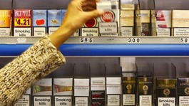Government pushes ahead with plans for plain cigarette packs
