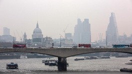 High pollution levels expected to fall in London