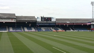 The stage is set at Kenilworth Road.
