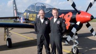 Flight Lieutenant Dave Kirby (l) with Flight Lieutenant Jon Trueman
