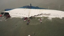 Hundreds missing as Korean ferry carrying students sinks