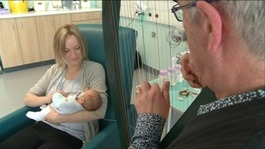 Harpist plays to premature babies