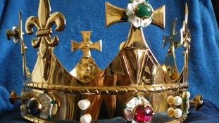 Richard III funeral crown to be unveiled in Tewkesbury