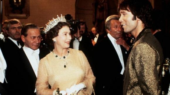 Sir Cliff meets the Queen.