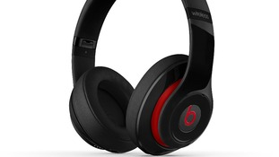 Apple is reportedly in talks to buy the headphone maker Beats Electronics.