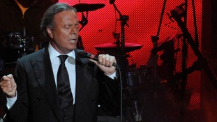 Julio Iglesias performs in Dominican Republic in 2012
