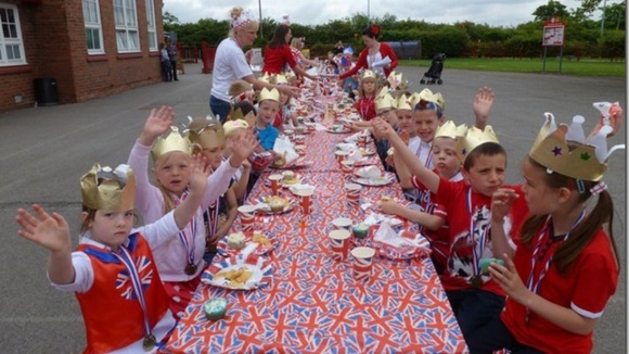 Pupils having a playground lunch