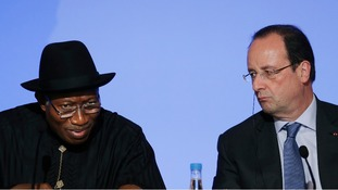 French President Francois Hollande (right) and Nigerian President Goodluck Jonathan attend a joint news conference in Paris