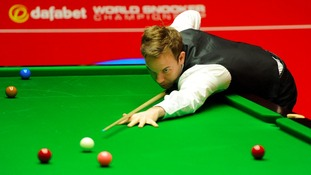 Ali Carter in action