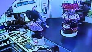 £150,000 of designer handbags stolen from boutique