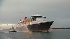 Queen Mary 2 heads into Southampton Docks