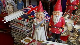 King and Queen gnomes.