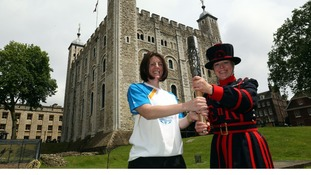 Batonbearer Rebecca Donnelly and Yeoman Warder Moira Cameron