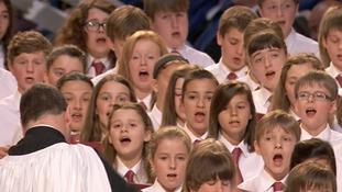 Children's choir strikes a chord with the Queen