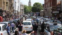 Taxi drivers strike over mobile phone fares app