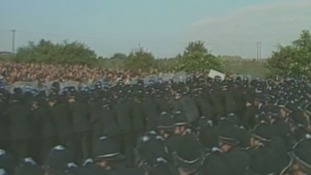 Police confront the miners at Orgreave, 18 June 1984.