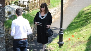 Dawn French has arrived at the funeral to pay tribute to the late comic star.