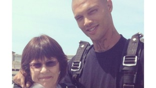 Jeremy Meeks pictured with his mother, who has started a fund to try and get him out of prison.