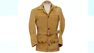 Jacket similar to that worn by man near the murder scene