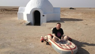 Lars homestead and Landspeeder.