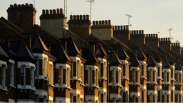 Bank of England curbs riskier mortgage lending