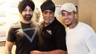 Music stars Sukhshinda Shinda (left) and Jazzy B (right) at the premiere in Birmingham