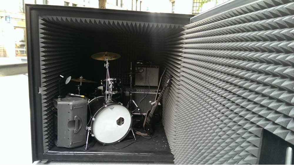 band to play in an airtight soundproof box until they run out of oxygen london itv news. Black Bedroom Furniture Sets. Home Design Ideas