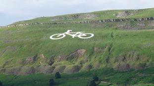 Giant bike on Buttertubs Pass near Hawes