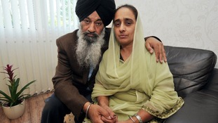 Her parents, Santokh Singh Loyal and Amrit Kaur, blame the clinic for not resuscitating Gurkiren