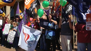 """""""I'd rather be a picket than a scab"""" bellows out at the public sector rally in Birmingham"""