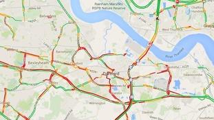 Red lines show severe delays around Dartford