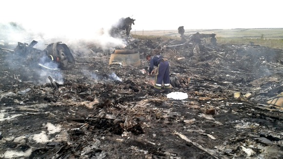 Plane Crash Photos Bodies 777 plane crash credit: