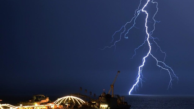 Thunder And Lightning Hits The South Coast Itv News