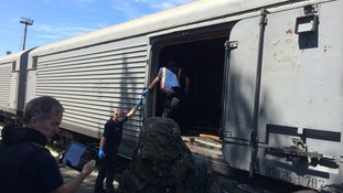 The train holding the bodies will leave Torez today.