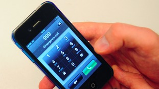 Smartphone dialling 999