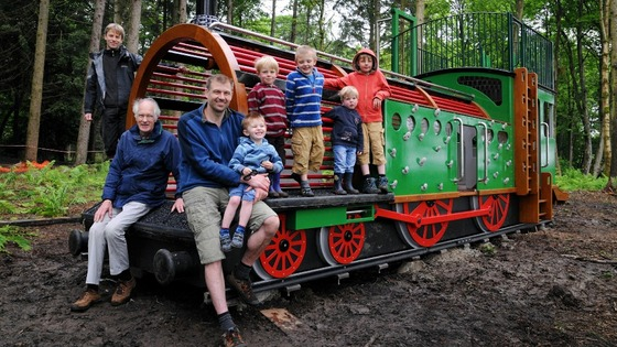 Wallington play train