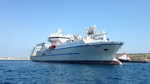 Cable-laying ship