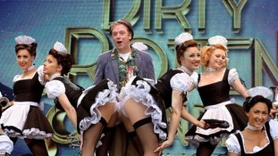 Rufus Hound offers tickets to show.