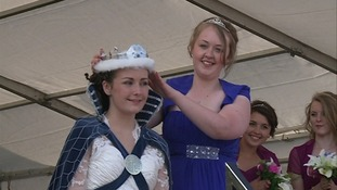 Crown is passed from last year's queen to Ailsa Landels