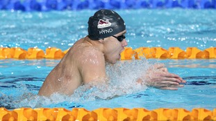 Oliver Hynd on his way to winning gold