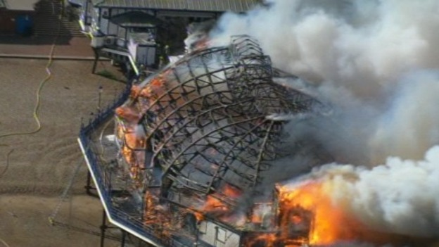 Eastbourne_Pier_on_fire_aerials