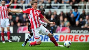 Robert Huth to remain with Stoke