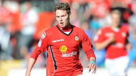 Nick Powell playing for Crewe Alexandra