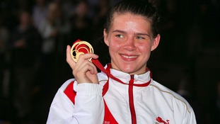 Savannah Marshall with her gold medal in Glasgow.