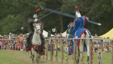 Thousands watch medieval jousting tournament