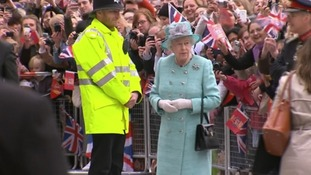 The Queen met by crowds in Nottingham