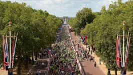 Thousands of cycling fans turn out for RideLondon