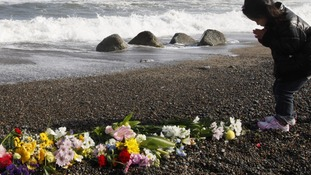 Japan mourns tsunami victims one year on