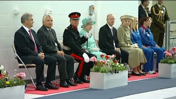 The Queen as a spectator pool-side at the East Midlands International Pool